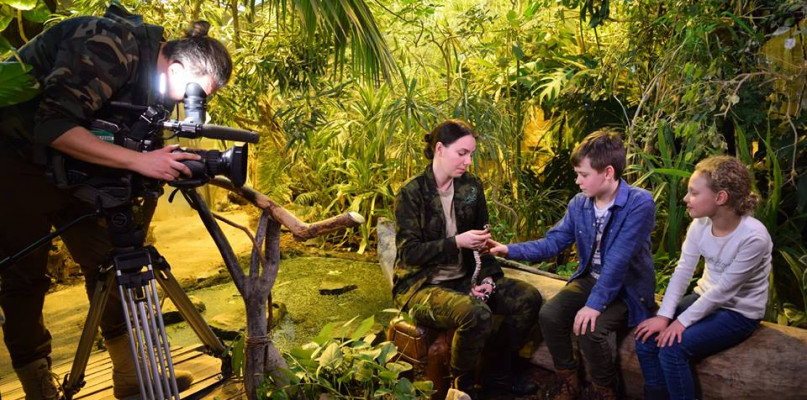 Ekipa telewizyjna programu TVP nagrywała materiał w płockim zoo [FOTO] - Zdjęcie główne