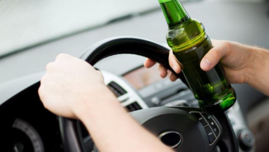 """Zatrzymano pięciu pijanych kierowców. Wśród nich kobieta, która jechała """"wężykiem"""" - Zdjęcie główne"""
