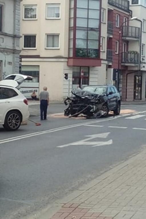 Wypadek w centrum miasta - Zdjęcie główne