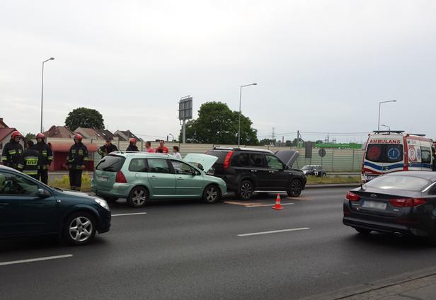 Zderzenie aut na Wyszogrodzkiej [FOTO] - Zdjęcie główne