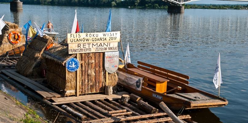Do Płocka płyną łodzie Obywateli Rzeki Wisły - Zdjęcie główne