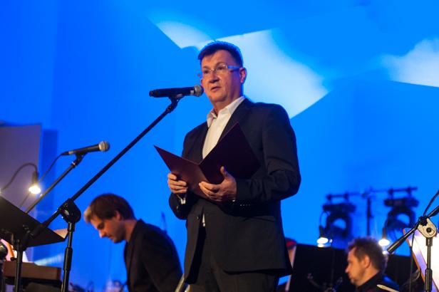 Dyrektor orkiestry zaskoczył widzów [FOTO] - Zdjęcie główne