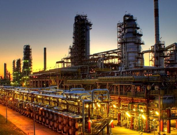 Orlen ostrzega: możemy czuć rafinerię - Zdjęcie główne