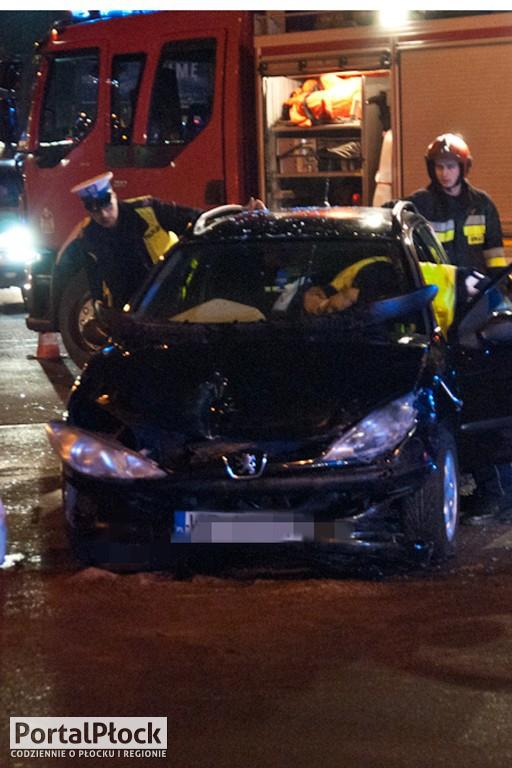 Zderzenie aut przy Kobylińskiego - Zdjęcie główne