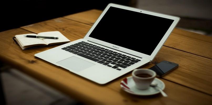 Czy białe meble biurowe są praktyczne? - Zdjęcie główne
