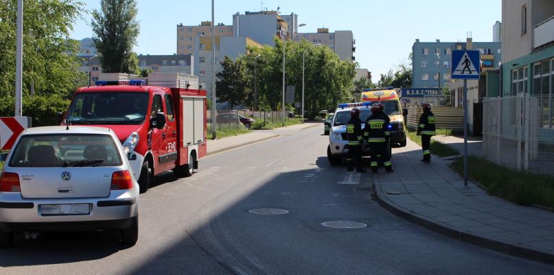 Cztery zastępy straży w akcji. Staruszka w szpitalu [ZDJĘCIA] - Zdjęcie główne