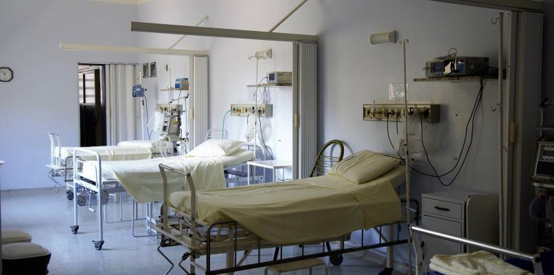 Ruszyła budowa szpitala tymczasowego w Płocku  - Zdjęcie główne