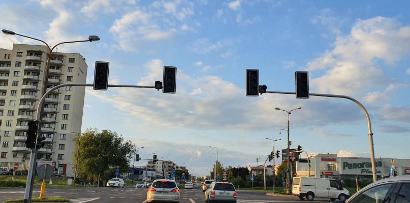 Kierowcy, uważajcie! Na skrzyżowaniu nie działa sygnalizacja - Zdjęcie główne