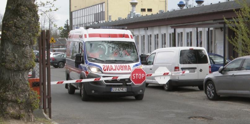 Pacjent na OIOM-ie z podejrzeniem COVID-19. Został przywieziony przez karetkę [RAPORT Z WINIAR] - Zdjęcie główne