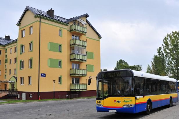 Wypadek: autobus najechał na mężczyznę - Zdjęcie główne