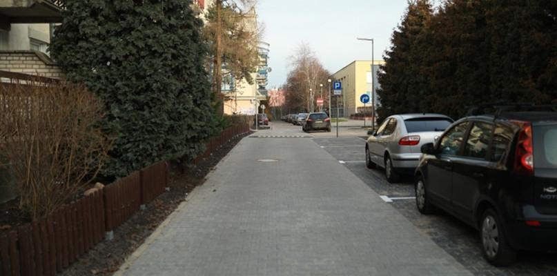 Była nieutwardzona droga, teraz jest ciąg pieszo-jezdny - Zdjęcie główne