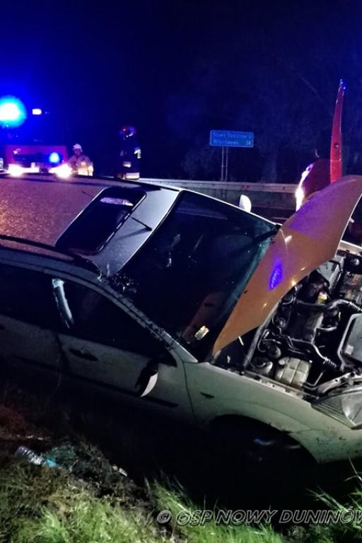 Samochód wypadł z drogi - Zdjęcie główne