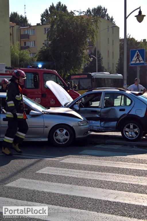 Zderzenie dwóch aut. Sprawca uciekł - Zdjęcie główne