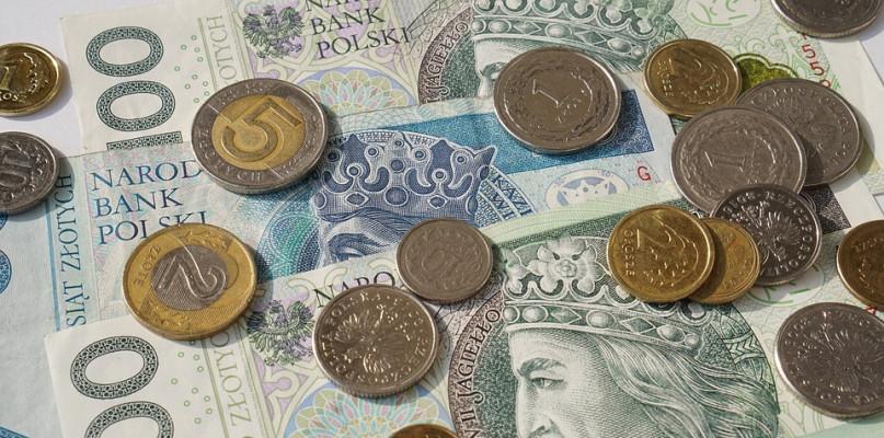 Policja szuka właściciela znalezionej gotówki i... historycznych banknotów - Zdjęcie główne