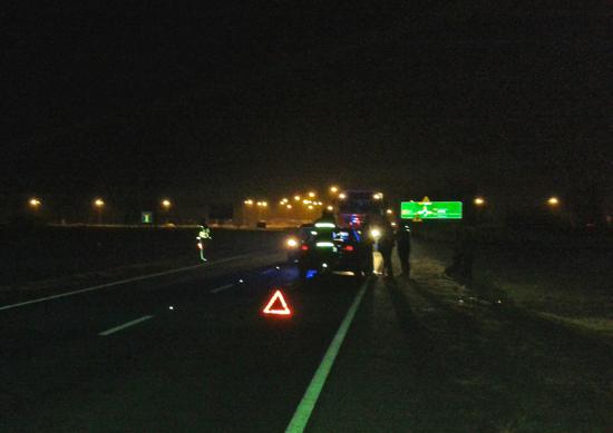 Wypadek przed mostem. Jedna osoba ranna - Zdjęcie główne