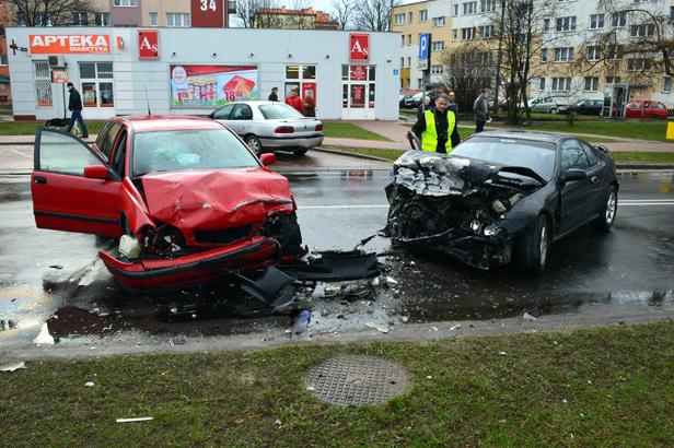 Wypadek w centrum.Czworo rannych [FOTO] - Zdjęcie główne