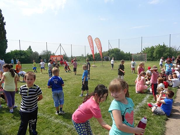 Nowe boisko dla dzieci ze Skarpy [FOTO] - Zdjęcie główne