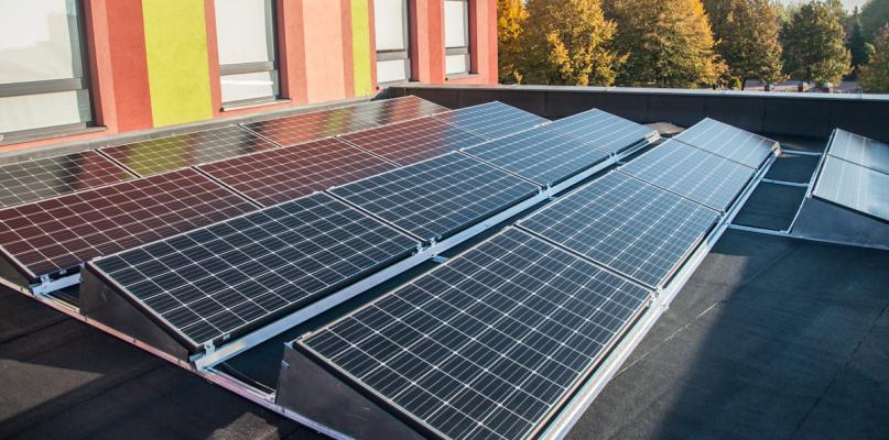 Panele słoneczne to oszczędność. W tym przypadku 16 tys. złotych - Zdjęcie główne