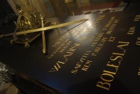 Kaplica Królewska już dostępna. Co z badaniami DNA pochowanych władców? - Zdjęcie główne