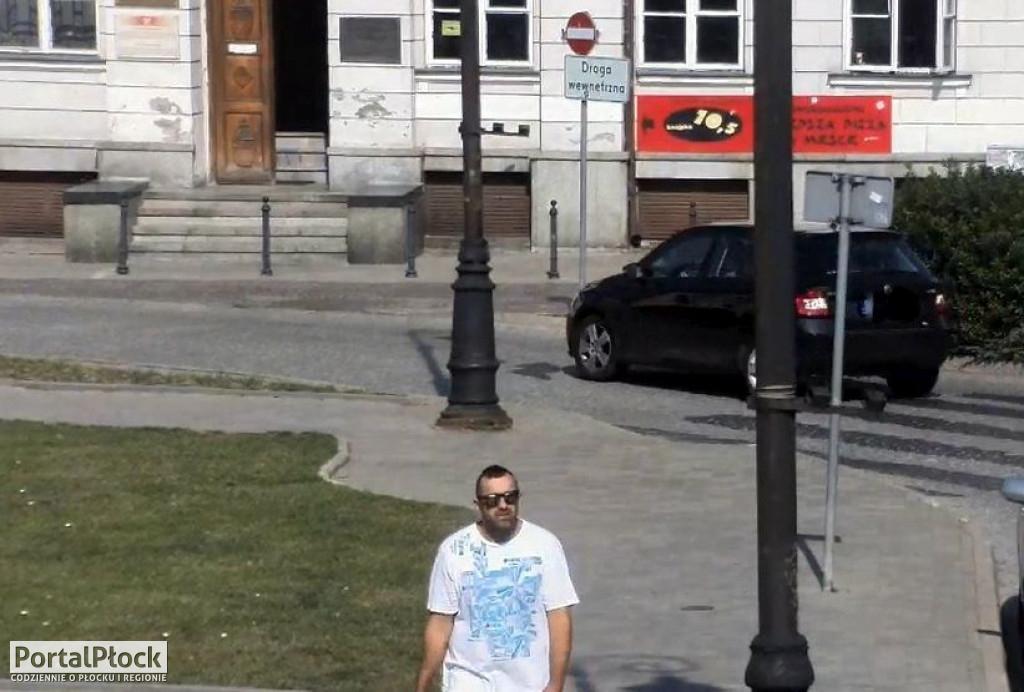 Policja szuka złodziei auta - Zdjęcie główne
