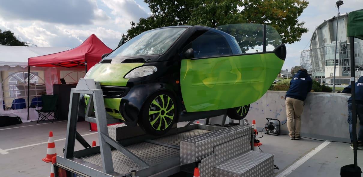 Opanowanie poślizgu, symulator dachowania i slalomy. Szkoła Bezpiecznej Jazdy [ZDJĘCIA] - Zdjęcie główne