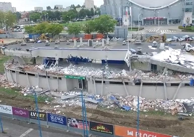 Ruszył kolejny etap rozbiórki stadionu [WIDEO] - Zdjęcie główne