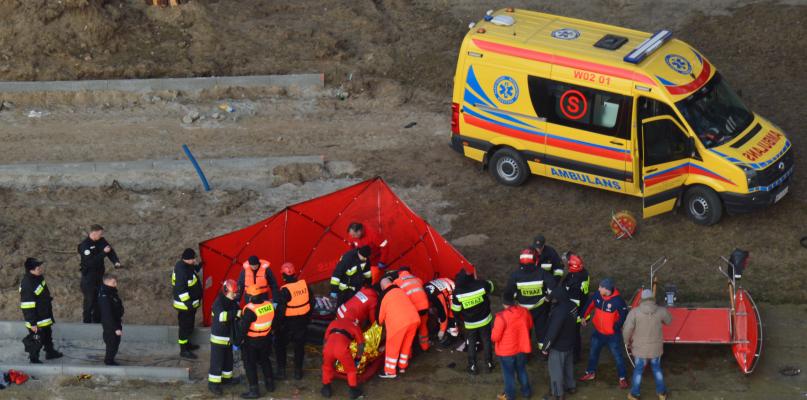 Mężczyzna skoczył z mostu. Nie przeżył [FOTO I WIDEO] - Zdjęcie główne