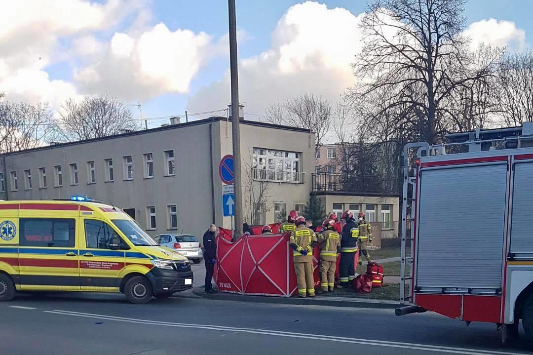 Tragiczne zdarzenie w Płocku. Zmarł 81-letni mężczyzna [ZDJĘCIA] - Zdjęcie główne