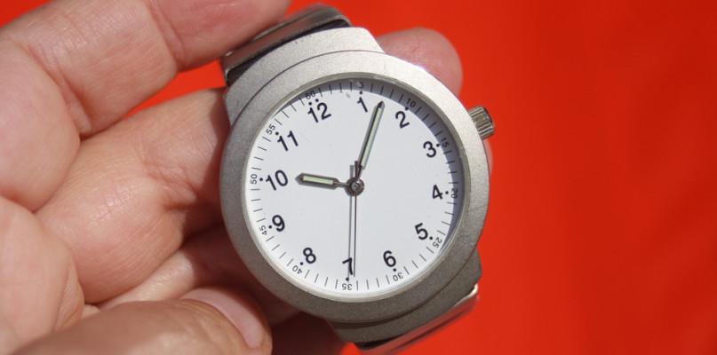 Pamiętajcie o zmianie czasu. Kiedy przestawiamy wskazówki zegarków? - Zdjęcie główne