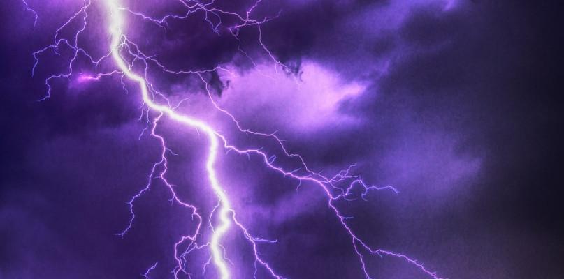 Synoptycy ostrzegają przed burzami i porywistym wiatrem - Zdjęcie główne
