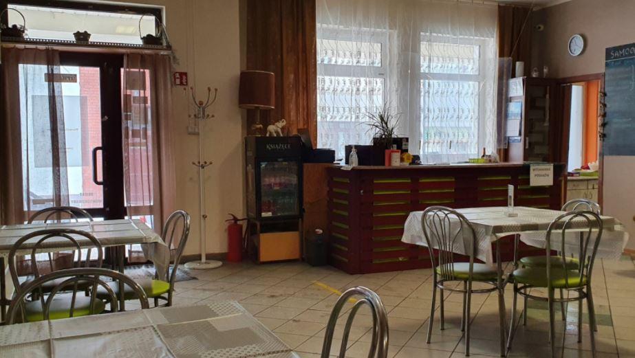 Restaurator z Płocka wygrał z sanepidem. Kara za otwarcie lokalu w czasie pandemii unieważniona - Zdjęcie główne