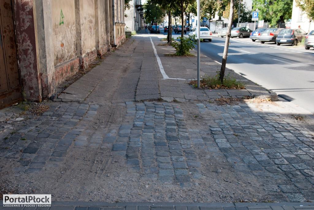 Fatalne chodniki w centrum miasta - Zdjęcie główne