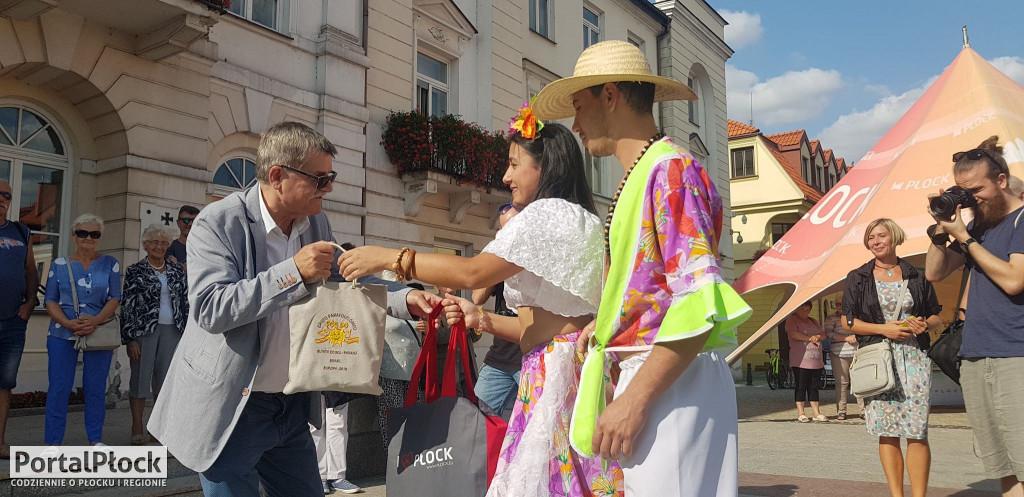 Powitanie zespołów w ramach Vistula Folk Festival - Zdjęcie główne