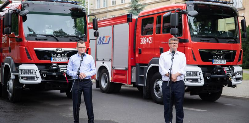 Idź na wybory, wygraj auto za 800 tys. zł. Dla strażaków - Zdjęcie główne