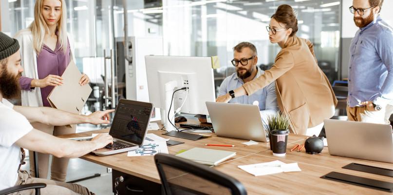 3 sposoby na radzenie sobie z krytyką w pracy - Zdjęcie główne