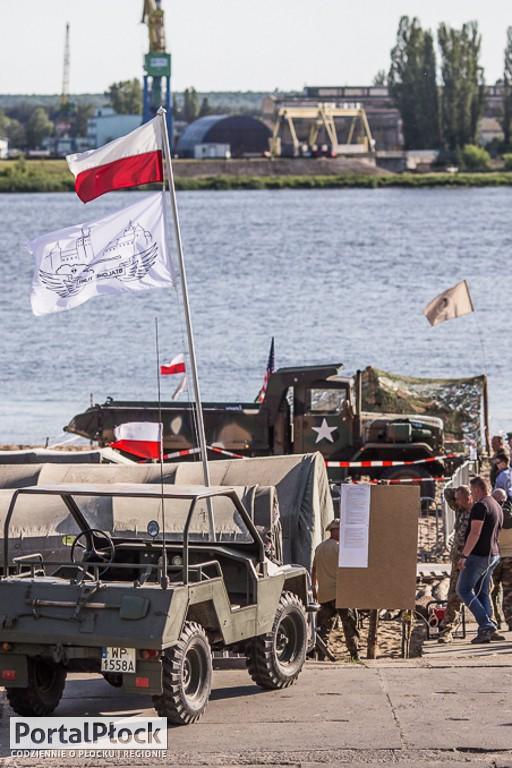 Zlot Militarny Stalowe Tumy - Zdjęcie główne