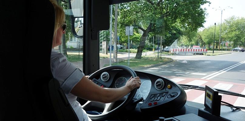 Autobusem slalomem i na czas. W szranki stanie 61 kierowców z 31 miast - Zdjęcie główne