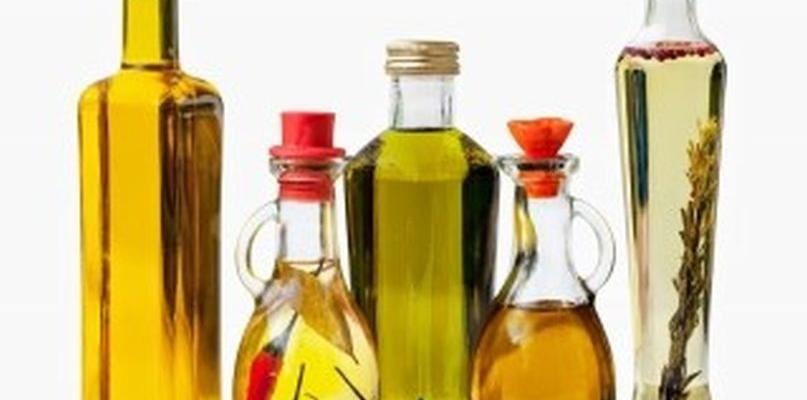 Naturalne oleje zimnotłoczone: olejek pichtowy a olej z ostropestu - Zdjęcie główne
