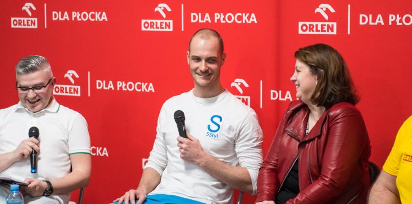 Paweł Korzeniowski motywował i uczył pływać [FOTO] - Zdjęcie główne