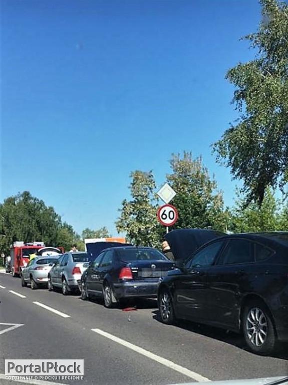 Karambol pod Płockiem. Trzy osoby ranne i pięć zniszczonych aut - Zdjęcie główne