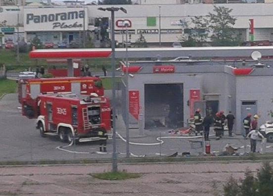 Pożar myjni na stacji Orlenu [FOTO] - Zdjęcie główne