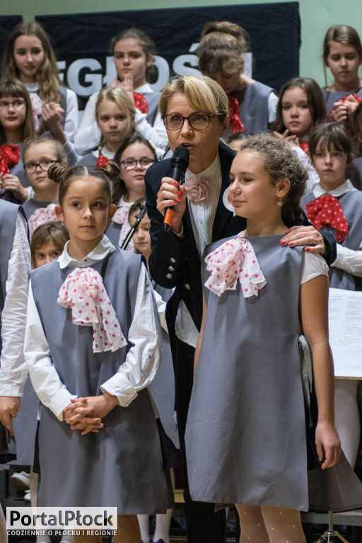 Chór Viva La Musica śpiewał dla Niepodległej - Zdjęcie główne