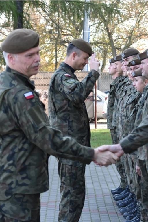 Przekazanie obowiązków nowemu dowódcy - Zdjęcie główne