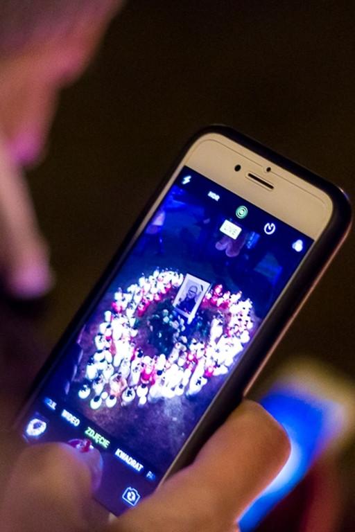 Serce ze światełek dla Pawła Adamowicza - Zdjęcie główne