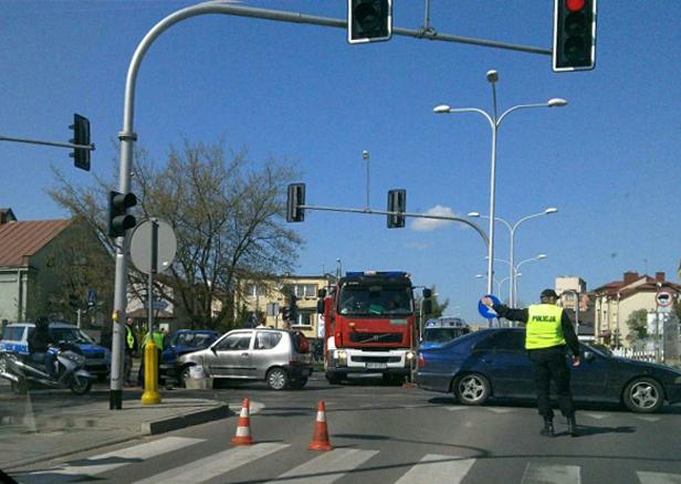 Znów wypadek:zderzyły się dwa fiaty [FOTO] - Zdjęcie główne
