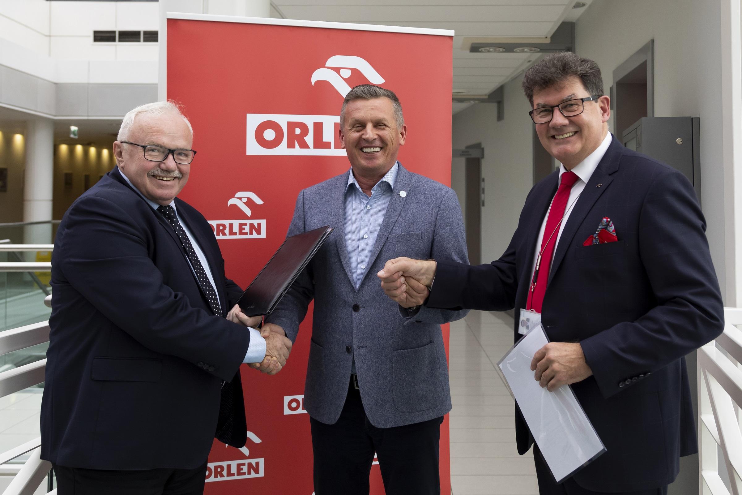 ORLEN chce wykorzystać nasze ścieki. Podpisano porozumienie z Wodociągami  - Zdjęcie główne