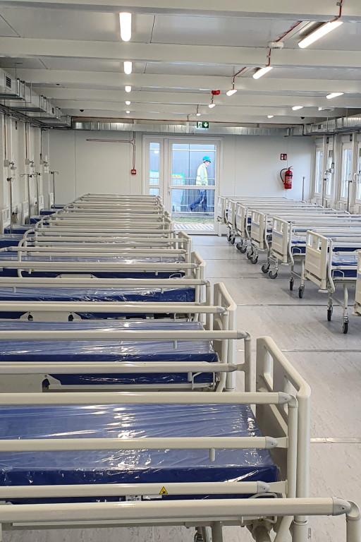Szpital tymczasowy prawie gotowy - Zdjęcie główne