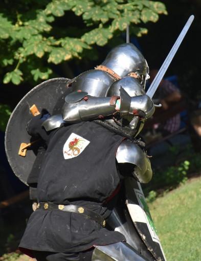 Szczęk mieczy przy katedrze. Trwają Dni Historii Płocka [FOTO] - Zdjęcie główne