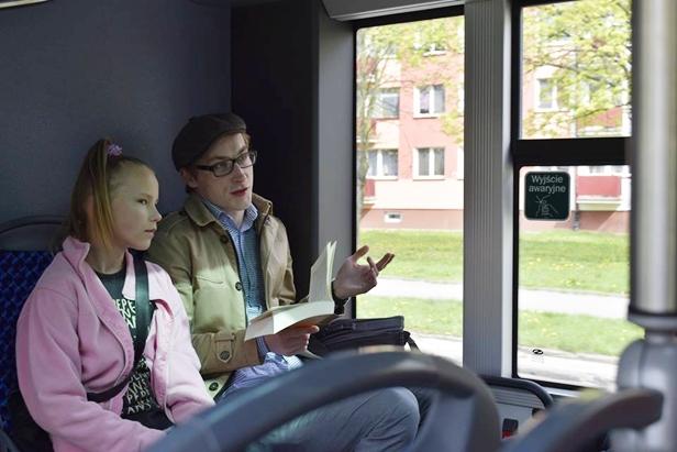 W sobotę zaczytali się w autobusie - Zdjęcie główne