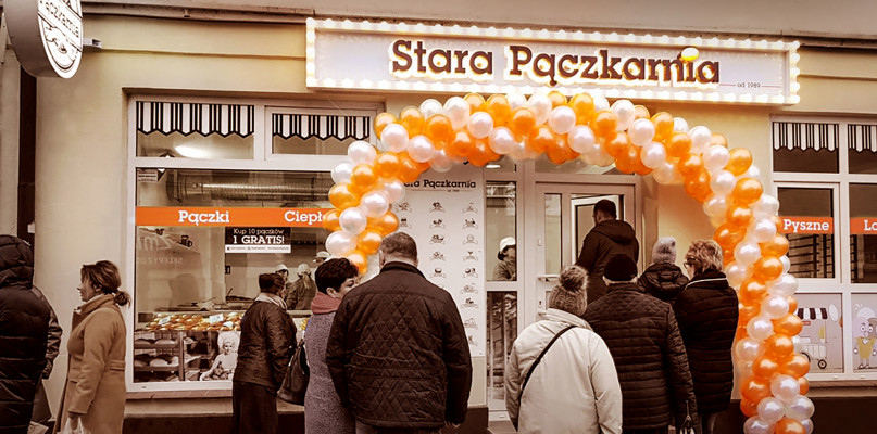 Kolejki po pączki w Płocku. Stara Pączkarnia już otwarta - Zdjęcie główne